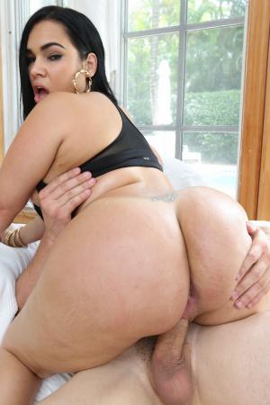 Big Booty Latina Webcam