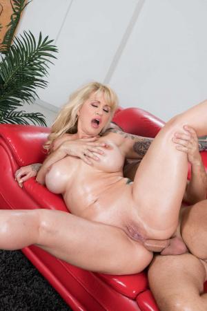 Leah remini nude fakes
